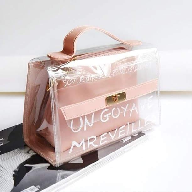 Женские сумочки и аксессуары