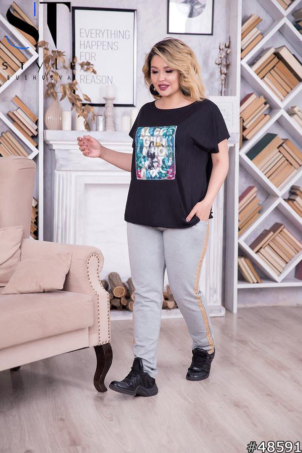 Женская летняя футболка с интересной аппликацией спереди, батал большие размеры