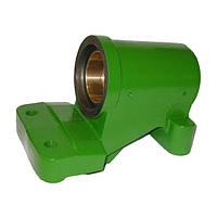 Опора кулака поворотного комбайна (AH126808), JD9500/9600/9610  AH156821-AP