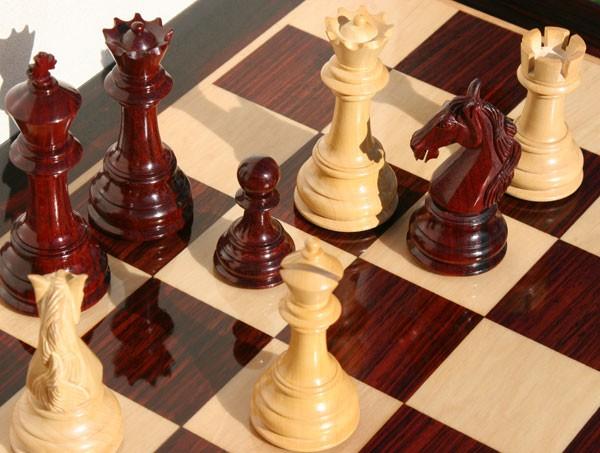 Деревянные шахматы 1