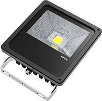 Полноценный прожектор на светодиодах RGB - 256 вариантов цветов  Автоматический режим и DMX ,стробо эффект  Ис
