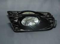 Продам накладку противотуманной фары правой Honda civic седан  2009-2011
