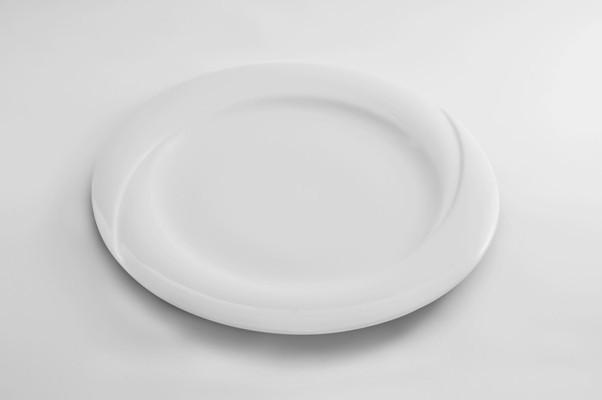 Тарелка фарфоровая круглая диаметр 25 см.