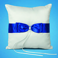 Подушечка для обручальных колец с синей лентой