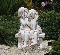 Садовая фигура скульптура для сада Целующийся мальчик и девочка 65х45х35 см ССК12211 статуя