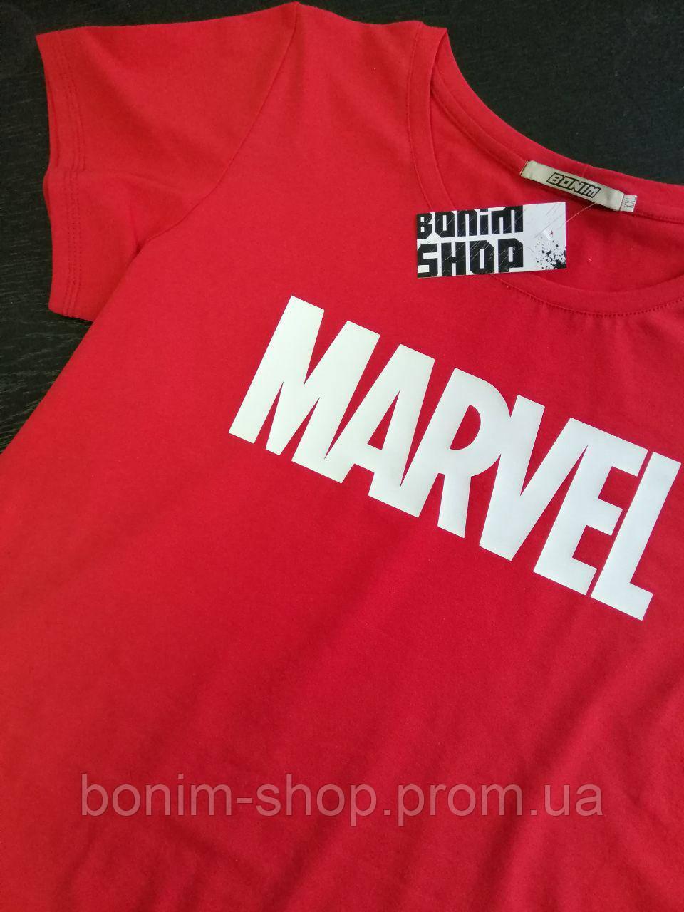 Красная женская футболка с принтом Marvel