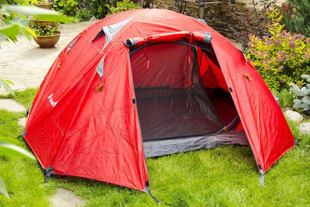Палатка JY 1528  2- местная двухслойная