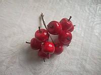 Бутоньерка яблочко 2 см, красное