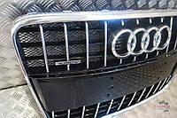 Б/у Решітка бампера Audi Q7 2008-2015р