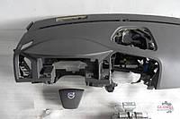 Б/у Торпедо/накладка Volvo XC60 2008-2018р
