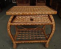 Плетеной стол из шухлядой
