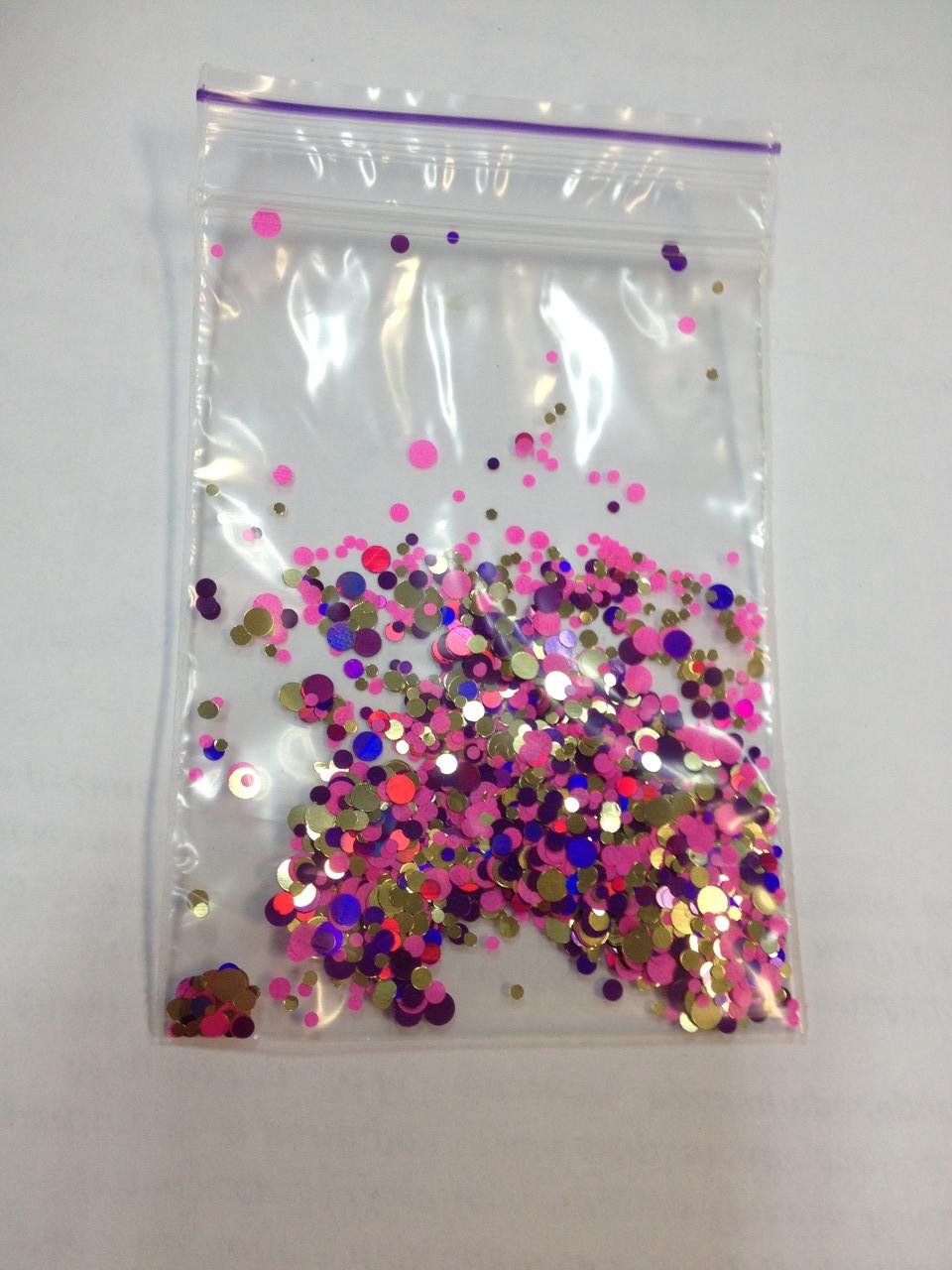 Конфетти на ногти розовые
