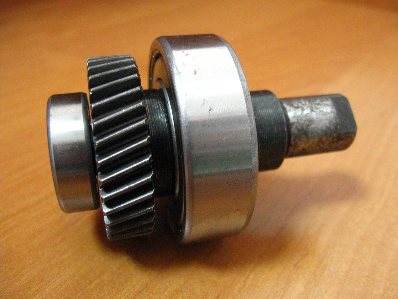 Шестерня с валом переворотной дисковой пилы L71 mm D40 mm