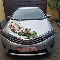 Декор свадебного автомобиля в трендовом пудровом цвете