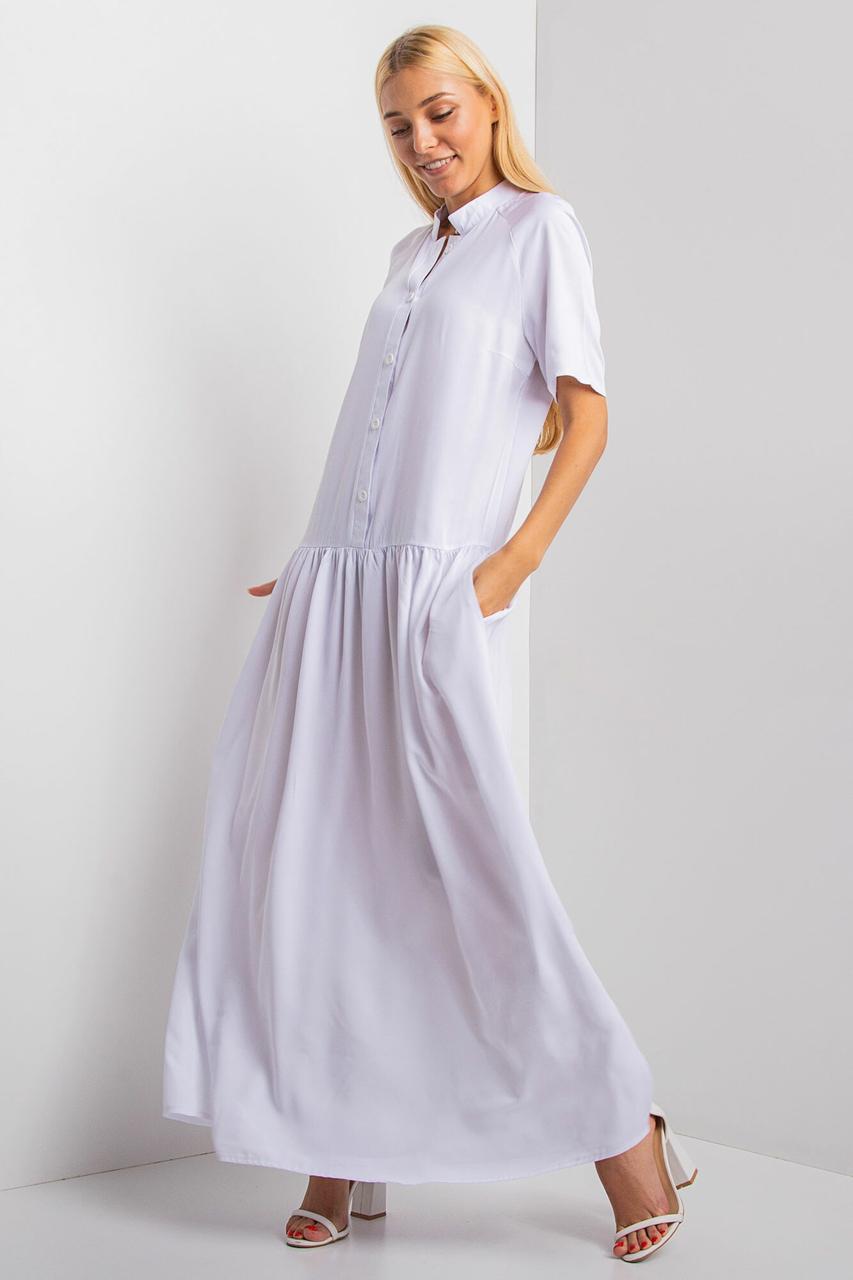 Длинное платье-рубашка BRIENA белого цвета с короткими рукавами и отрезной широкой юбкой