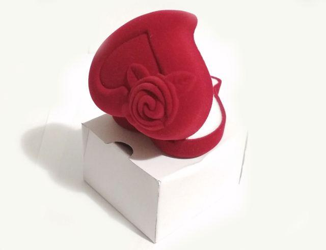 Коробочка Сердце для колец красная