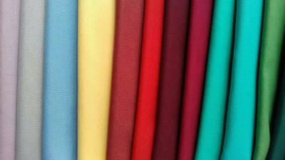 Тканини для вишивки хрестиком без використання накладної канви. Рівномірного переплетення.