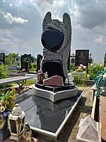Пам'ятник з Ангелом