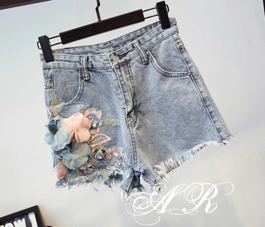 6c9de931e932 Новинка 2019! Молодёжные, женские, джинсовые шорты с цветочной аппликацией
