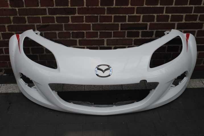 Б/у Бампер передній Mazda 5 2008-2015р