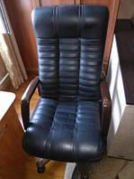 Офисное кресло BOSS