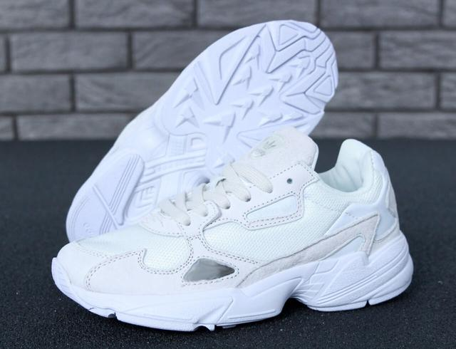 Женские кроссовки Adidas Falcon White Suede  фото