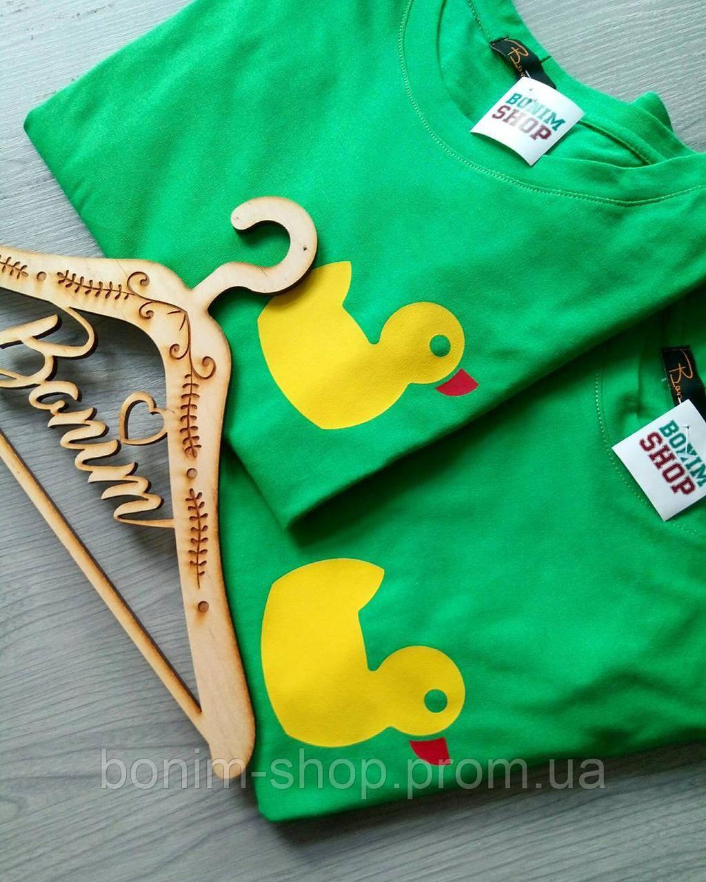 Зеленые женские футболки с принтом Уточка