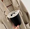 Черно-белая небольшая сумочка