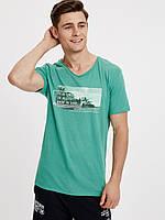 Зеленая мужская футболка Lc Waikiki / Лс Вайкики с надписью It is time to get back to surf, фото 1