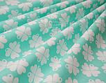 "Лоскут ткани ""Клевер"" с белыми цветочками  на мятном фоне № 1000, фото 3"
