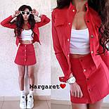 Женский джинсовый костюм: жакет и юбка на пуговицах (в расцветках), фото 4