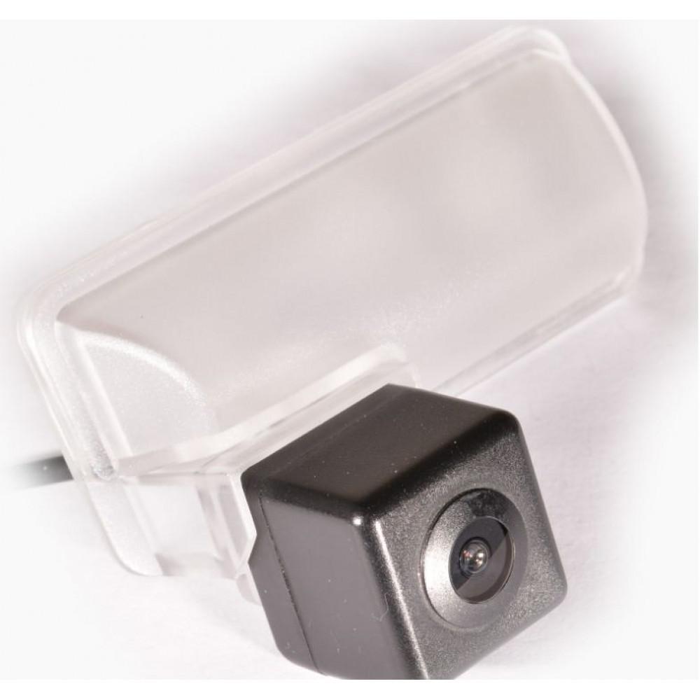 Камера заднего вида IL Trade 1372 SUBARU Forester IV (2013+)/XV (2011+)/Impreza 5D (2007-2011)