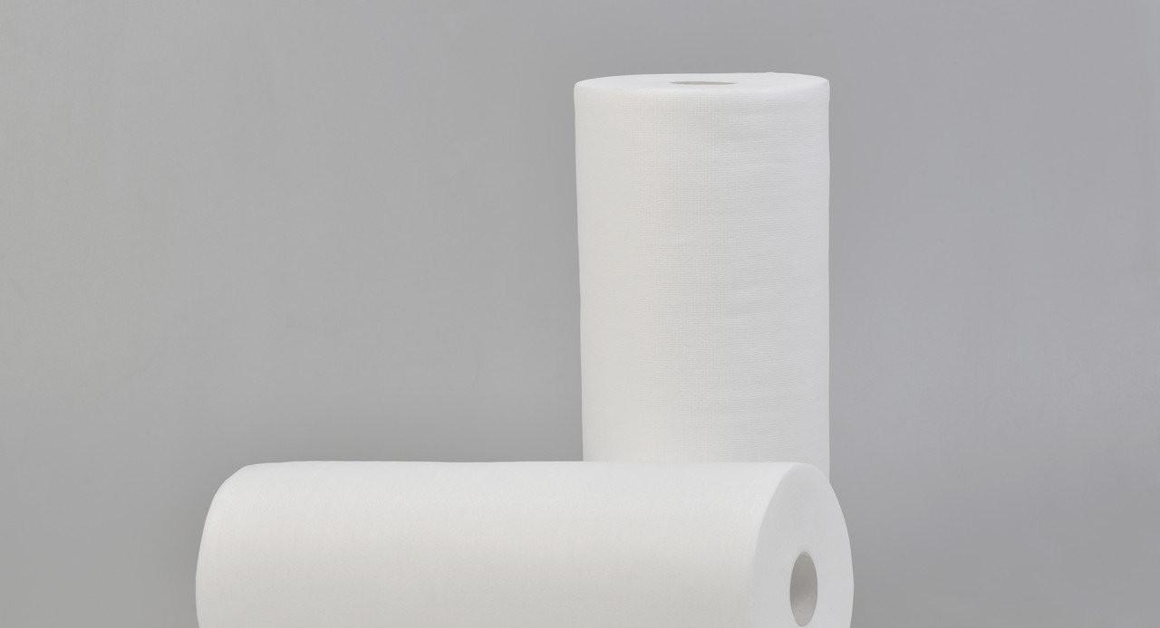 Полотенца в рулоне одноразовые Panni Mlada 35см х 70см (100шт\рул) из спанлейса 40г/м2 Гладкие