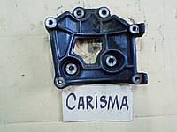 Кронштейн крепления компрессора кондиционера MB958179 для Mitsubishi Carisma GDI 2000г.в.