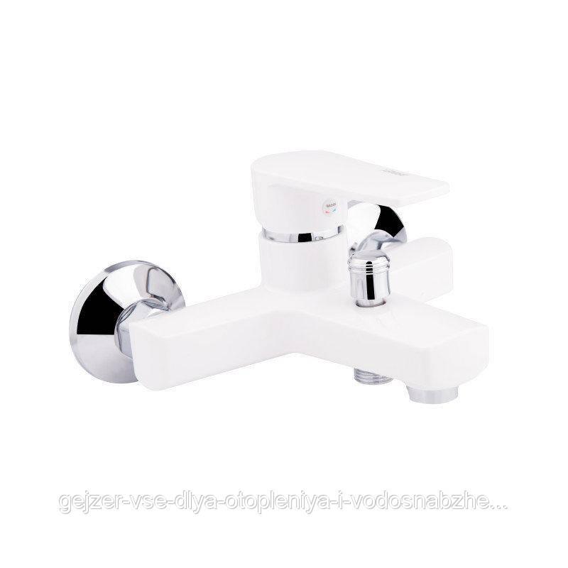Смеситель для ванны Sanitary Wares Brinex35W 006