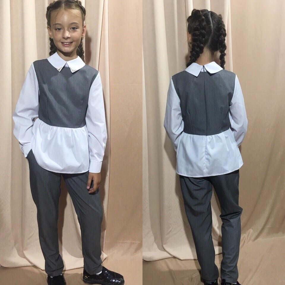 Костюм брючный для девочек с белыми рукавами и баской (К28250)