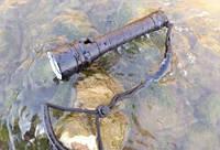 Профессиональный фонарь для дайвинга и подводной охоты Police