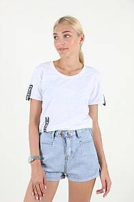 Короткие женские джинсовые шорты
