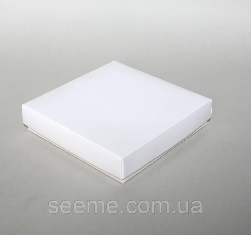 Коробка подарункова, 150х150х35 мм.