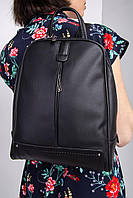 Городской рюкзак из кожзама черного цвета