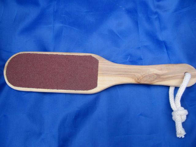 Терка для пяток деревянная