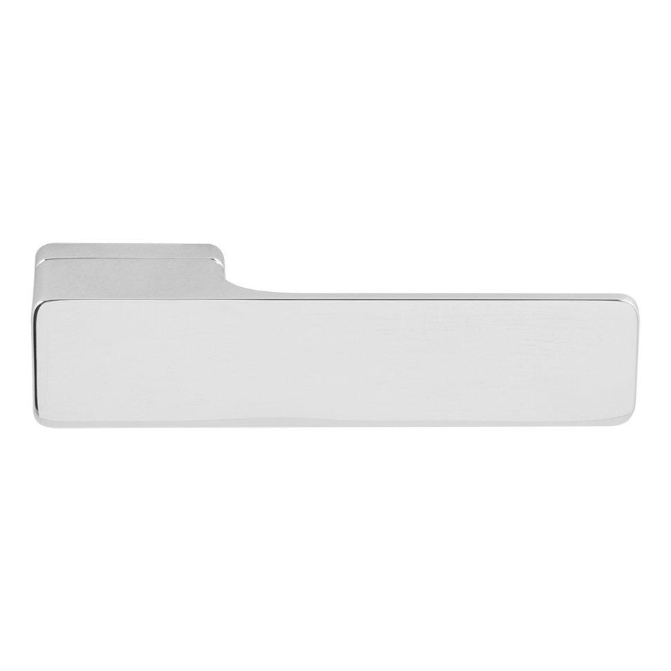 Дверная ручка M&T Minimal 000023 Cr хром R