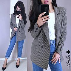 Пиджак в мелкую клетку на пуговицах с карманами