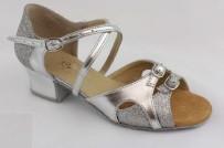 На опт будет скидка. Разные цвета. Обувь для девочек. Танцевальная обувь.