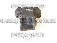 Кронштейн передней рессоры задн. правый ГАЗ-53,3307,3309