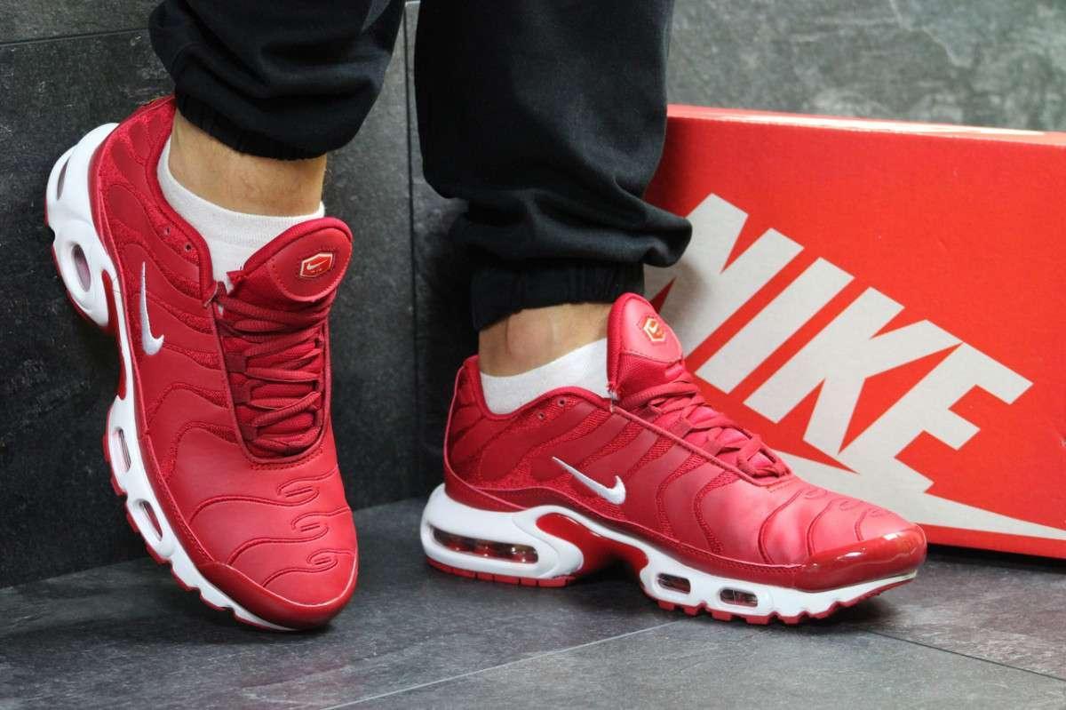 Кроссовки мужские красные Nike Air Max 95 TN Plus 6228