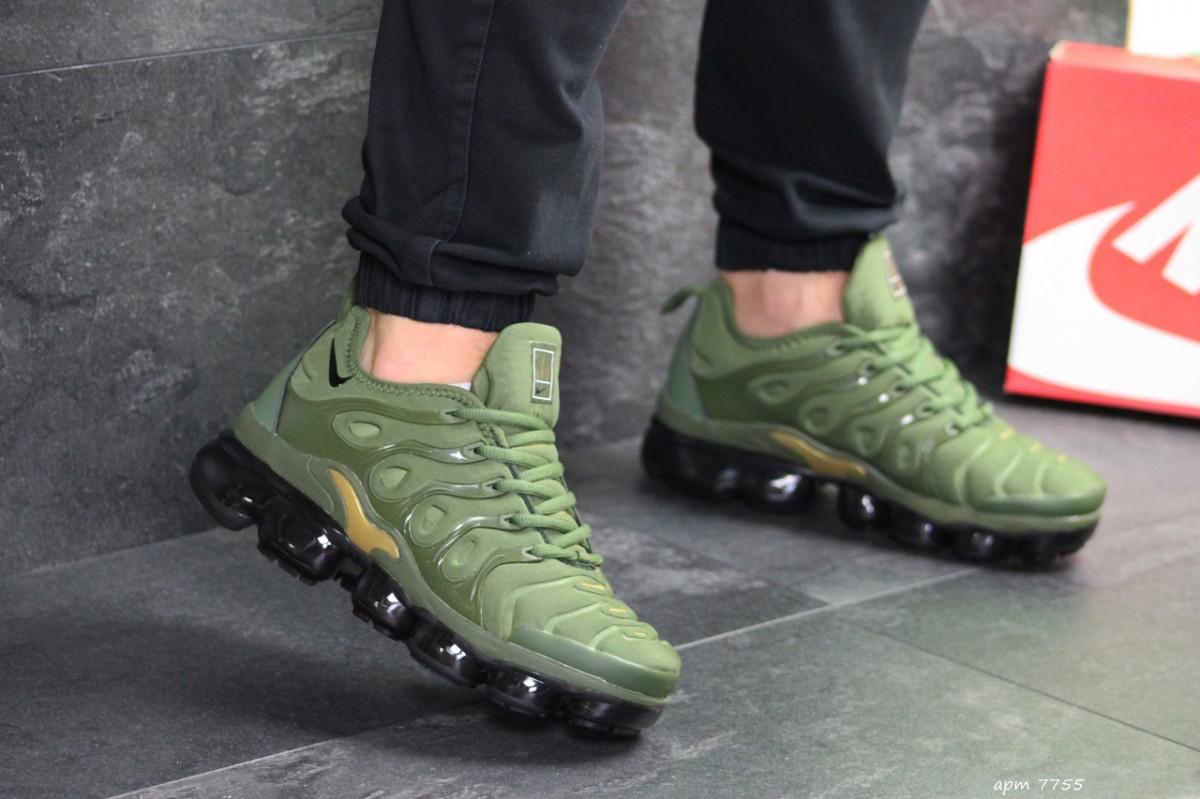 Мужские кроссовки зеленые Nike Air Vapormax Plus 7755