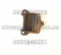 Крышка переднего кронштейна задней рессоры ГАЗ-53,3307,3309