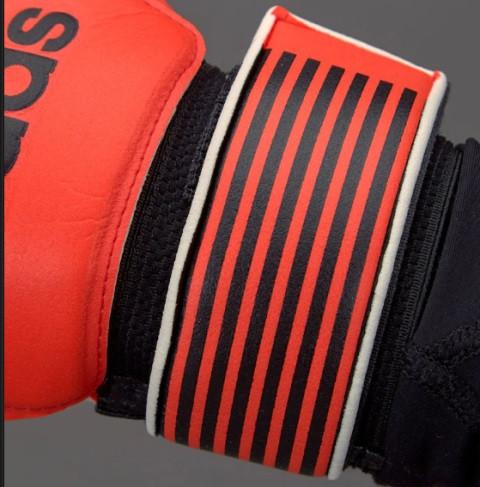 vratarskie-perchatki-adidas-0q0a080t12
