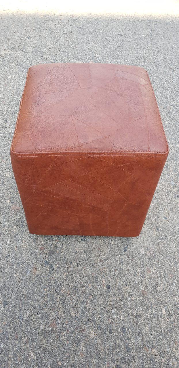 Пуфик квадрат ( коричневый )-35×35×40см